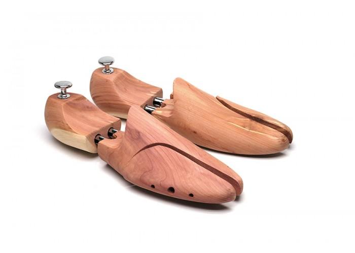 Embauchoirs en bois de cèdre