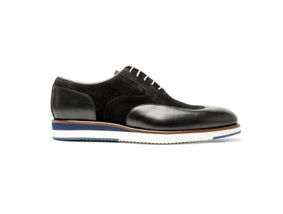 bi-material golf toe oxford with white sole
