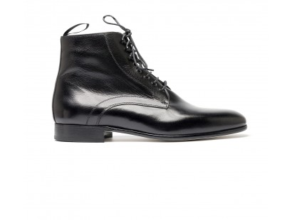 Black derby boot