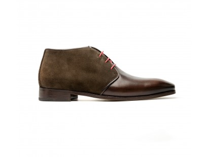 Brown calf and suede chukka