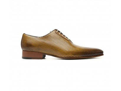 "Perforated ""tabacco"" calf oxford"