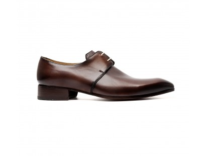 Derby in chocolate patinated calf leather