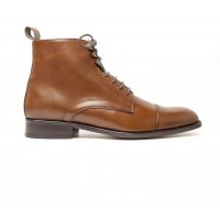 Brown calf boot with laces